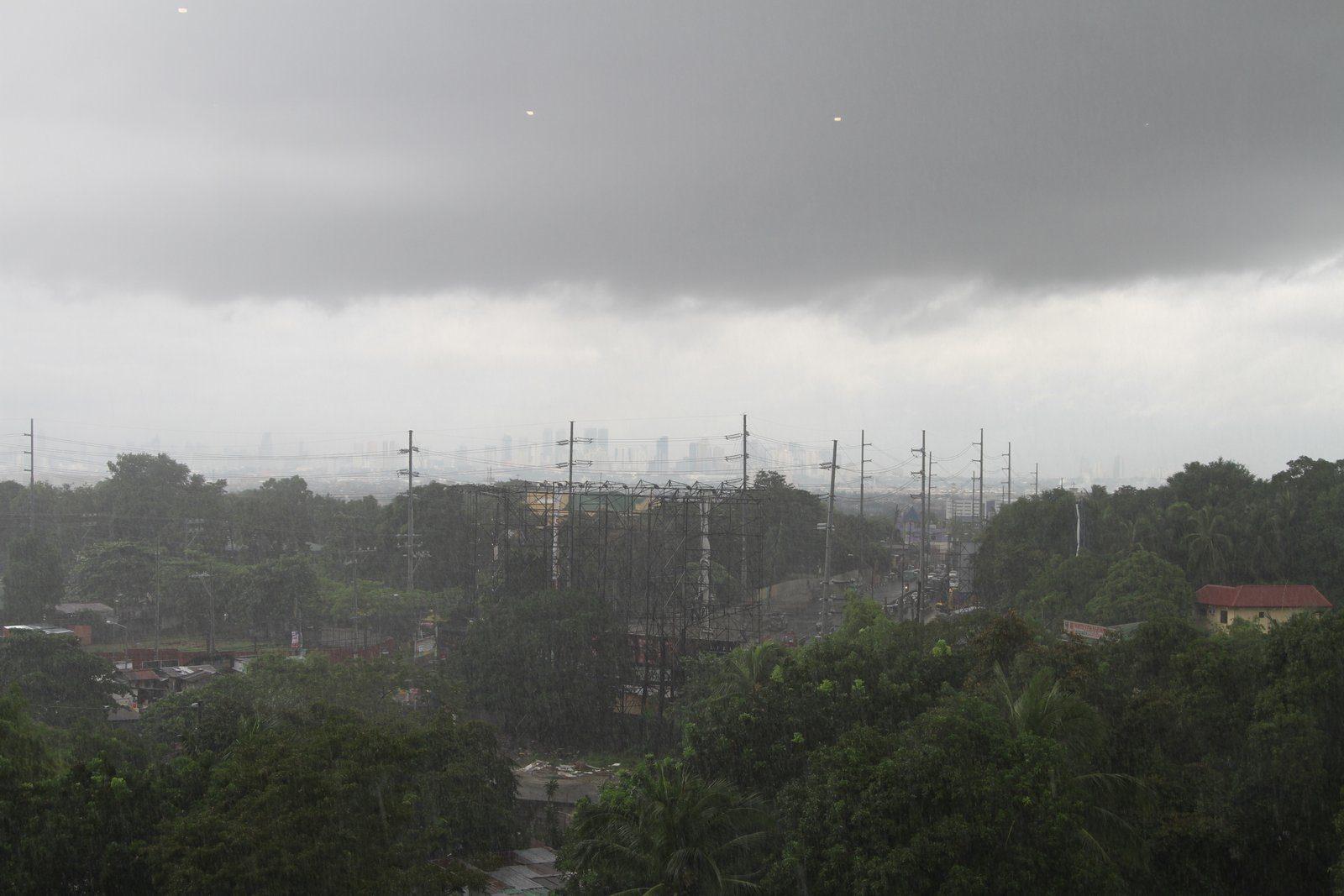 Manila experiencing heavy rains from typhoon Labuyo