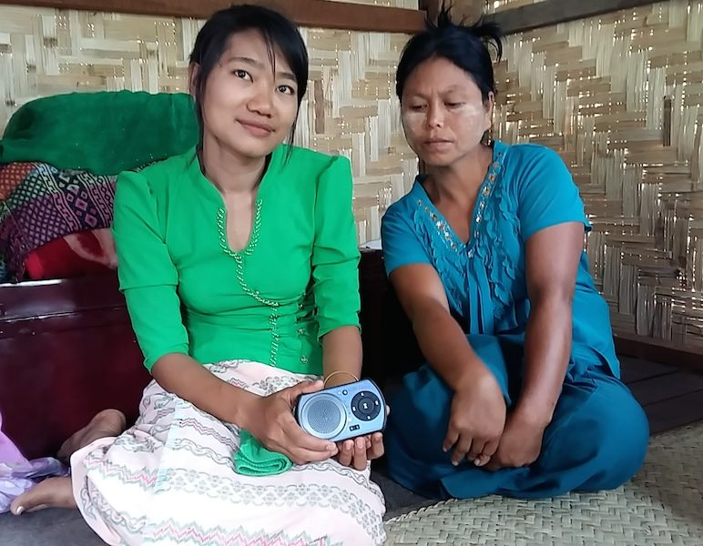 Myanmar_Ladies_Papyrus