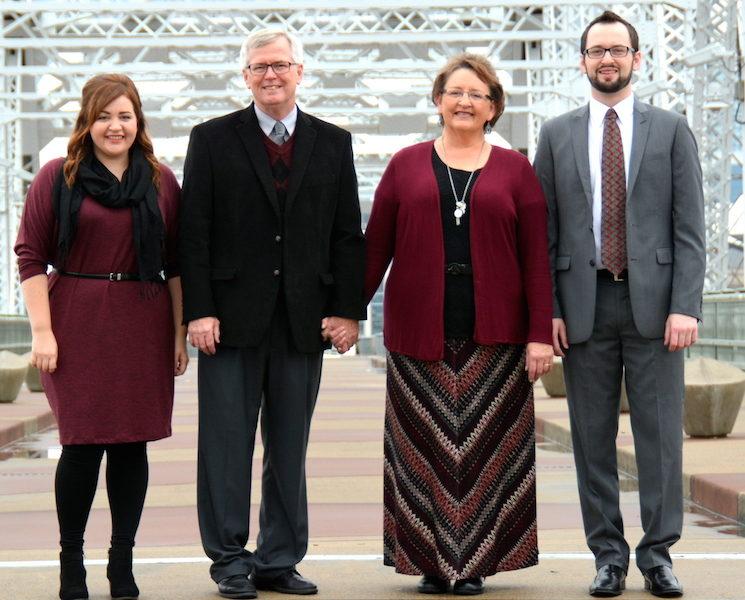 Oldham Family (Lyndsey, Bruce, Peggy, Scott)